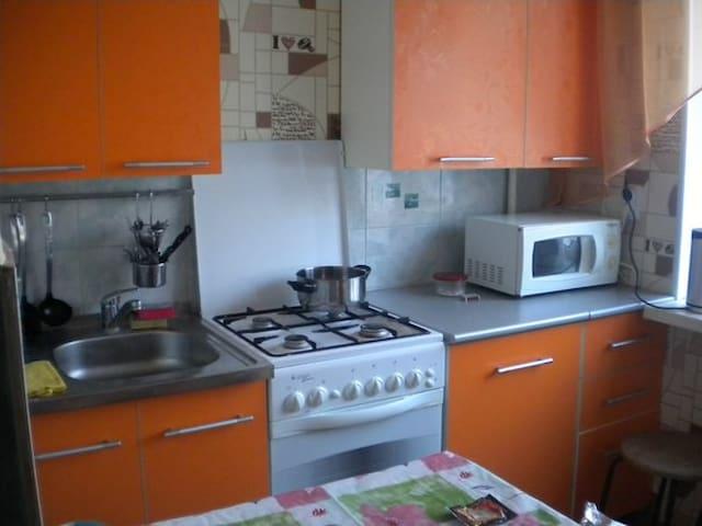 хорошая кв.на Старт, Авторынок - Уфа - Appartement