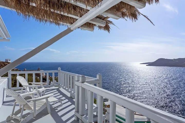 Deluxe Suite in Elia Beach | Sea View