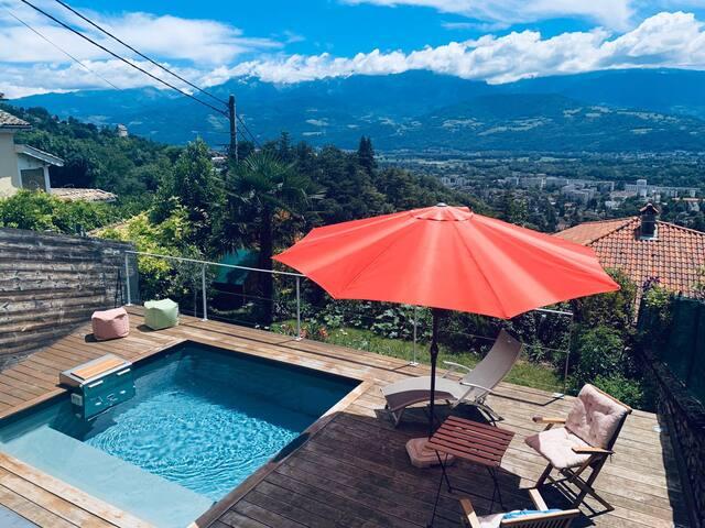 Studio avec piscine , vue panoramique !
