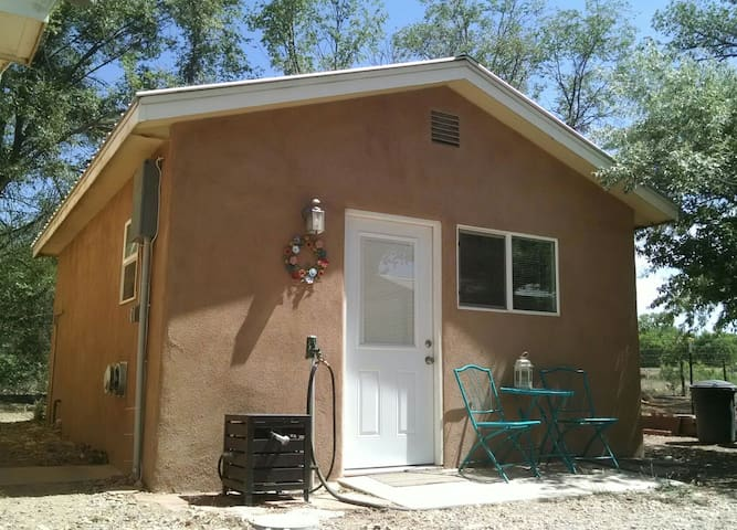 Casita Santuario by the Rio Grande River - Albuquerque - Dom