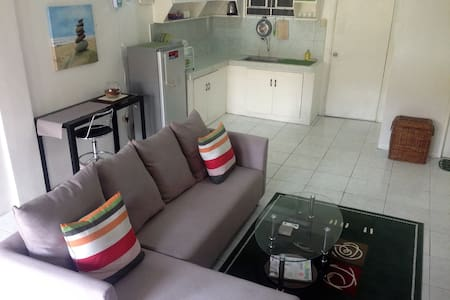 BEST VALUE 6 [Huge Living & Kitchen] Angeles Apart - Angeles