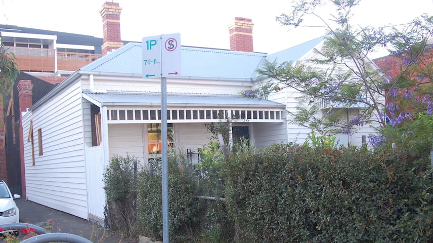 Room in Nth Fitzroy, great location.