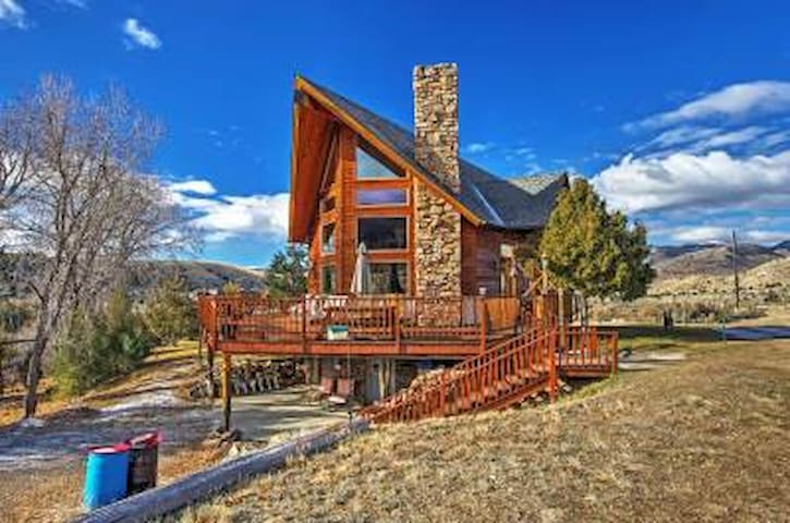 Spacious 3BR Alder House w/Mountain Views! - Alder - Huis