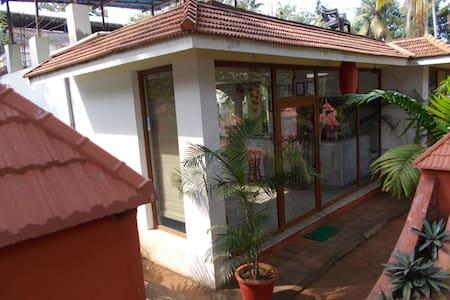 Ashiyana Cliff & Beach Resort - Thiruvananthapuram - Hotel butique