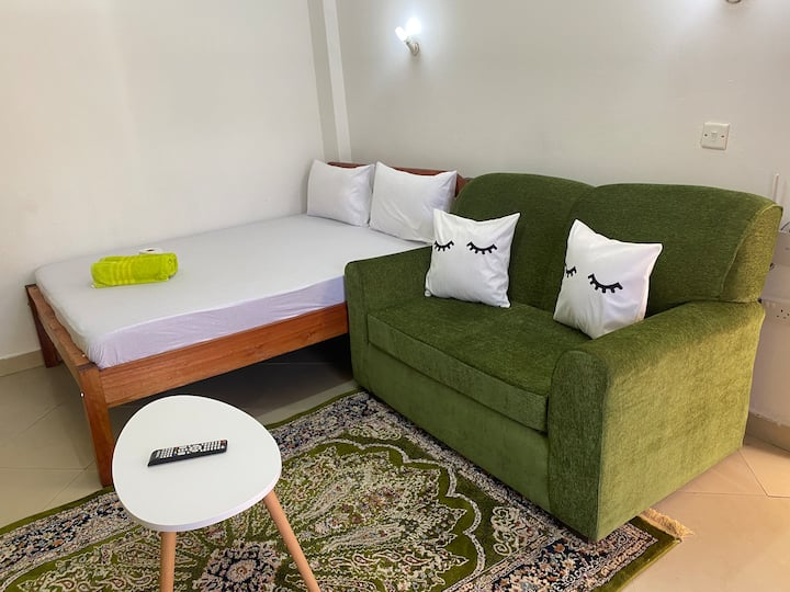 NYALI STUDIO near BEACH,MALLS ideal for LONG STAYS