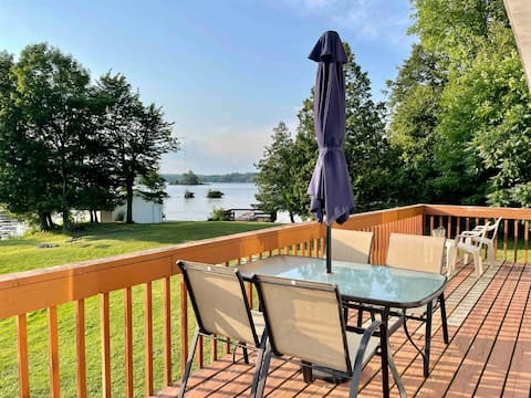 Private Family Friendly Lakefront Cottage