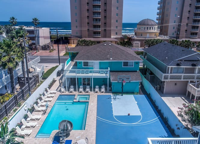 Beach View/Largest Heated Pool in SPI (SFH)/Hot Tub/Twister Slide/Basketball Crt