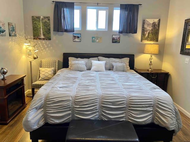 Newly Remodeled Private Master Suite Grover Beach