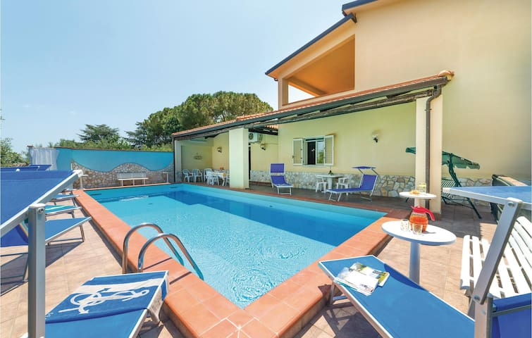 Holiday cottage with 5 bedrooms on 280m² in Trabia -PA-