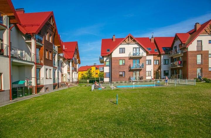 Rodzinny apartament z basenem Jastrzębia Góra