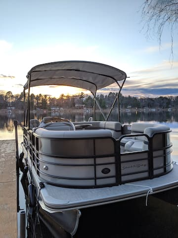 Pontoon! Inquire for rental details, rate and availability. Booked through separate process and requires cabin stay, waiver, rental fee, security deposit and other terms. Must follow all boating laws and lake's no wake rules from 5pm to 10am daily.