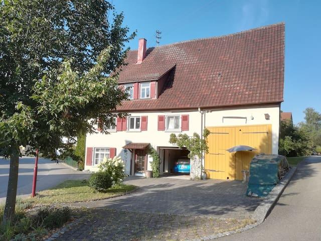 Wohnen auf dem Lande in einem kleinen Weiler