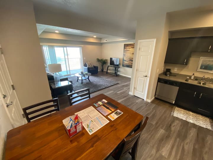 Spacious 2Bed/2Bath Condo in Beautiful Cedar Falls