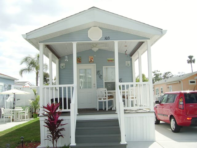 Cute Sandcastle  Cottage near Disney