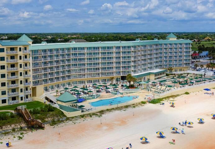 One Bedroom Ocean Front Condo, Ormond Beach FL (A736)