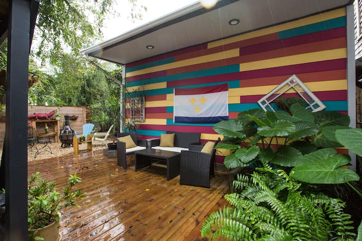 Centrally-Located, Cozy Abode off St. Charles Ave!