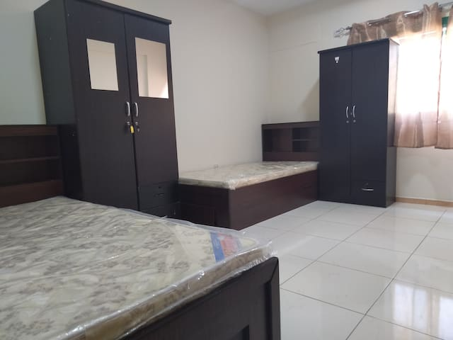 Executive Ladies Bed Space - Burjman