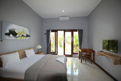 An oasis of calm, central Seminyak