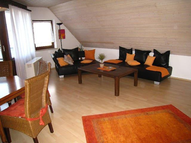 Ferienwohnung Brigitta, (Hülben), Ferienwohnung Brigitta mit 90qm, 2 Schlafzimmer, 1 Wohn-/Schlafzimmer für max. 5 Personen