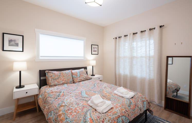 Guest room #2 with Queen Bed