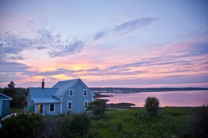 "Cottage on the Point ""The Pride of Brier Island"""