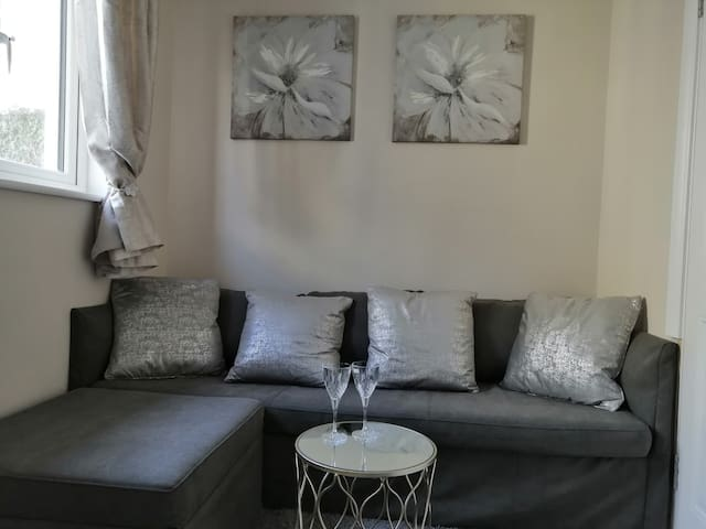 Beautiful Guest House, Ensuite, Flat, Room