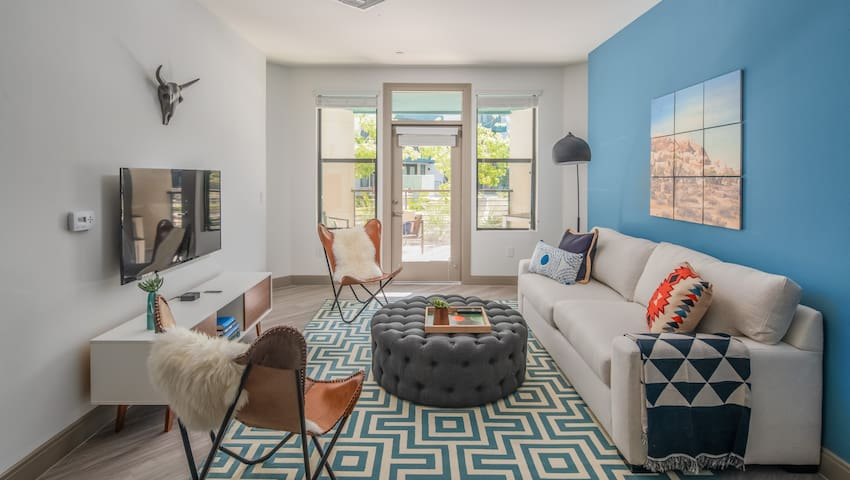 Luxe 2BR on Tempe Town Lake #1052 by WanderJaunt