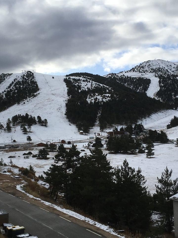 Appartement face aux pistes Greolieres les neiges