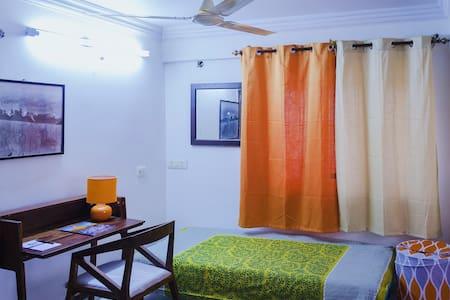 Parkside Studio Apartment