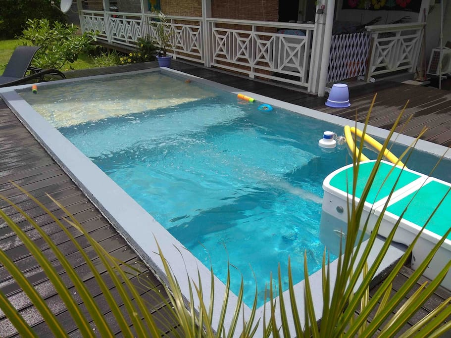 Fare julie piscine privative houses for rent in taravao for Piscine in french