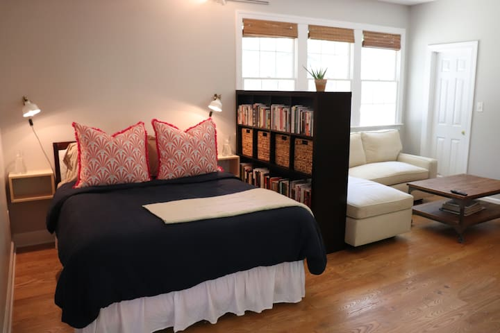 Carrboro Library Guest Suite