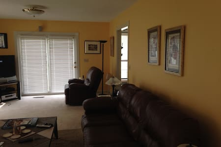Twin bed in  wifi &tv 4 one person - Ooltewah