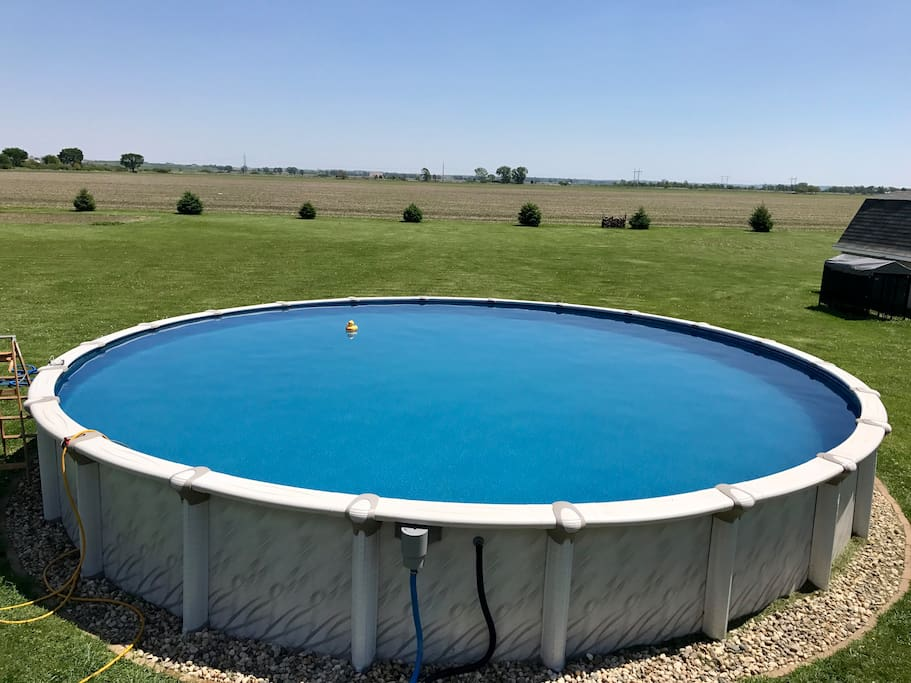 33,000 gallon pool that guest can use during their stay.  Grab a float from the shed and kick back and relax!