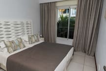 AH 5-Seafront,Premium,Luxurious,Serviced Apartment