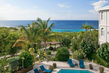 "Fountain Anguilla by ""Refined Retreats""~Sleeps 6! King Suite~2 Qn's + Balcony!"