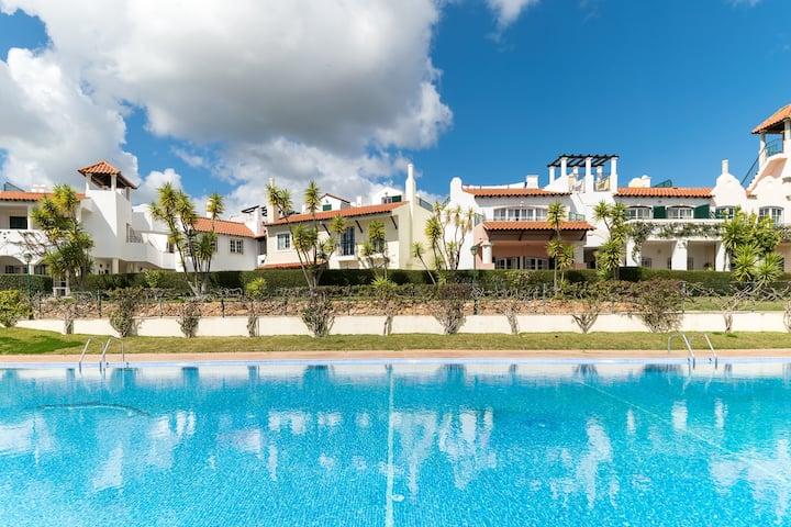 Molly Pink Duplex Apartment, Vilamoura, Algarve