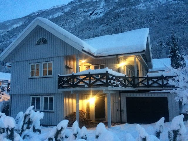 Apartment in Rjukan city, 4 people - Rjukan