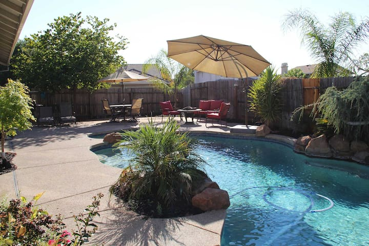 Perfect Vacation Home For Business or Pleasure - Lincoln - Casa