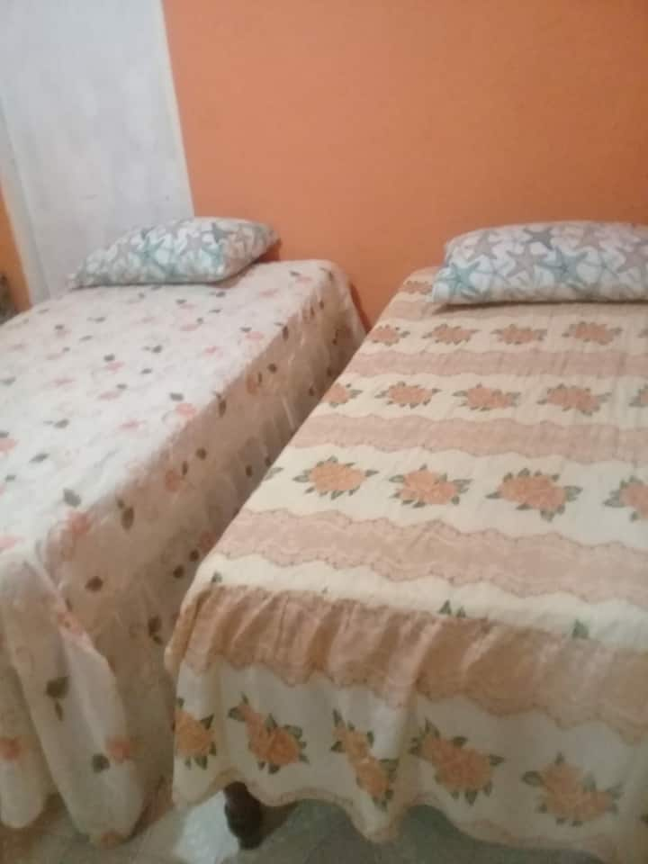Quiet  budget Friendly Studio near Airport