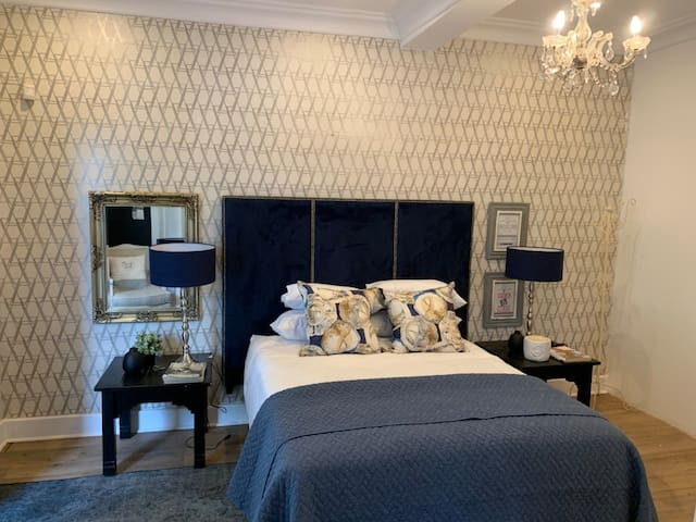 Luxury Guest Suite_Close to PMB Hospitals & School