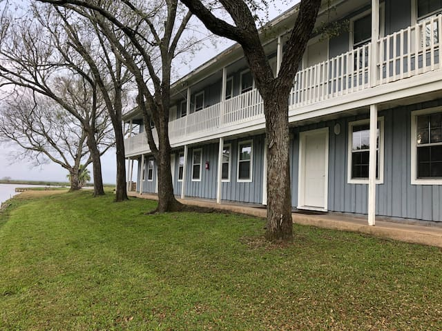Water Front Gem with full kitchen! 2
