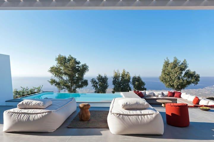 Santorini Heights | Cactus Suite