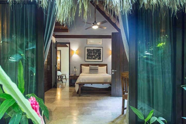 """Habitación de Lujo en Oasis Tropical  (""""Monstera"""")"""