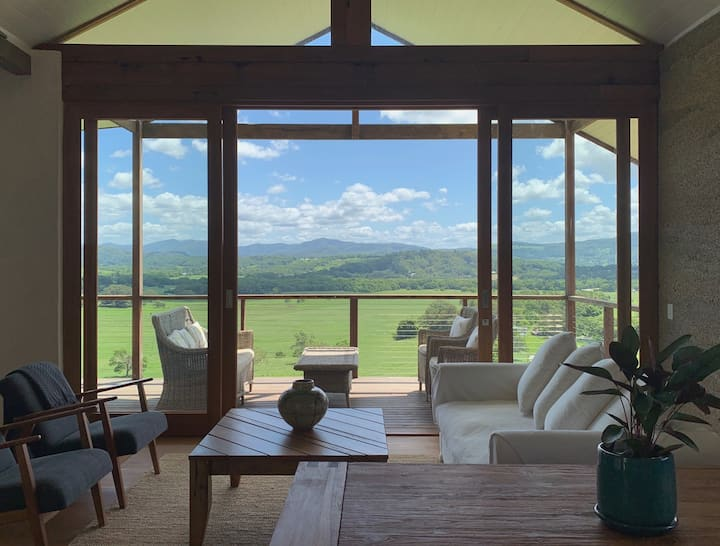 Skyfarm Hemp Villa WITH VIEWS of Byron Hinterland