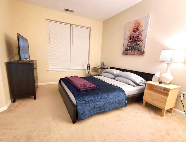 NamaStay Oasis Superclean Dulles Private Bdrm+Bath