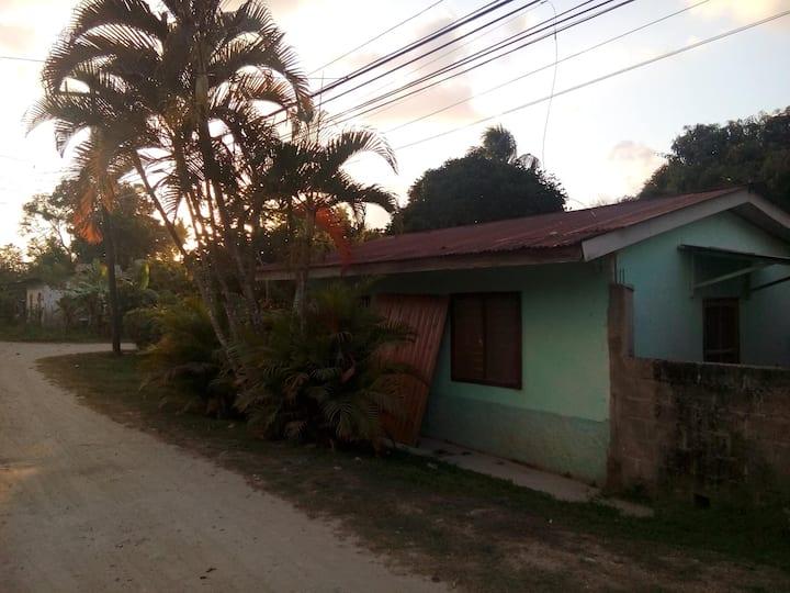Casa huesped con vista, Mejia - Zelaya, en Tela.