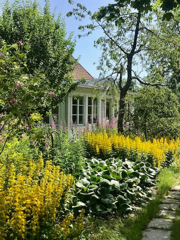 Cosy, charming and personal cottage in Vadstena