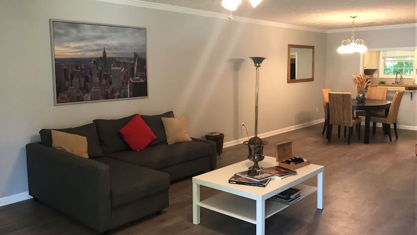 Cozy 2 BDR 2BA in Conyers, Sleeps 6 - Conyers - Wohnung