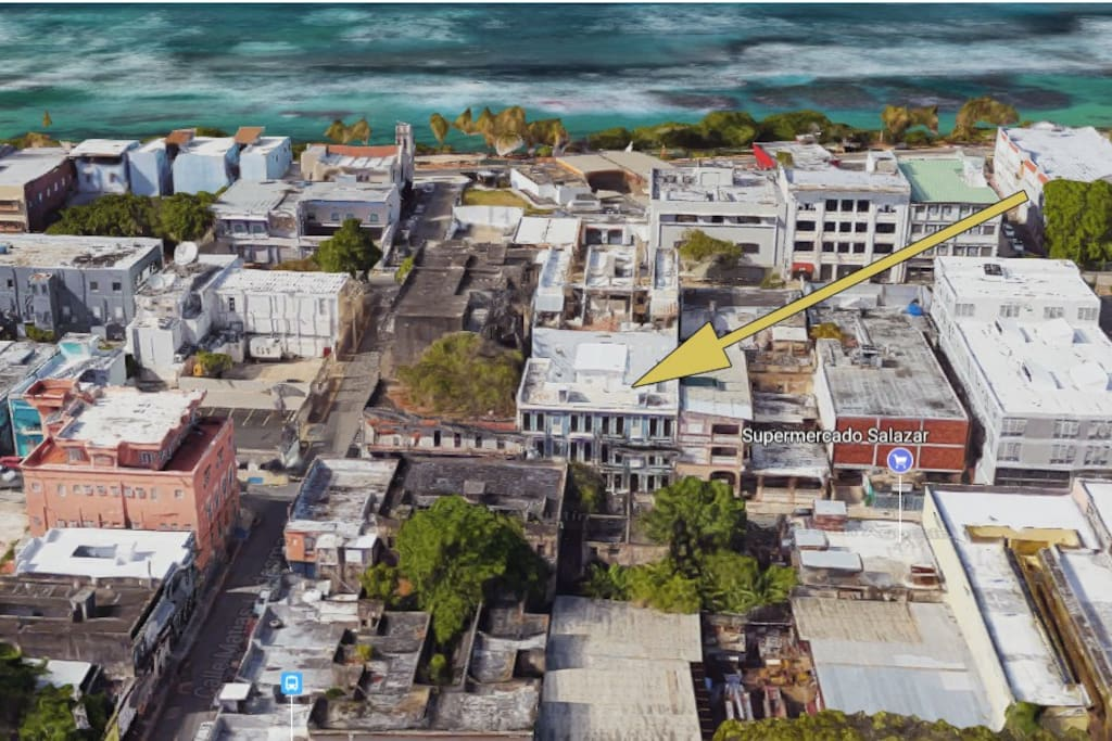 Walk-up Penthouse is only 2 blocks to the new ocean-side promenade to Old San Juan & Escambrón Beach!