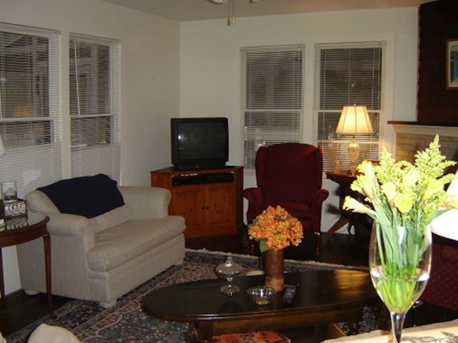 Hydrangea Living Room